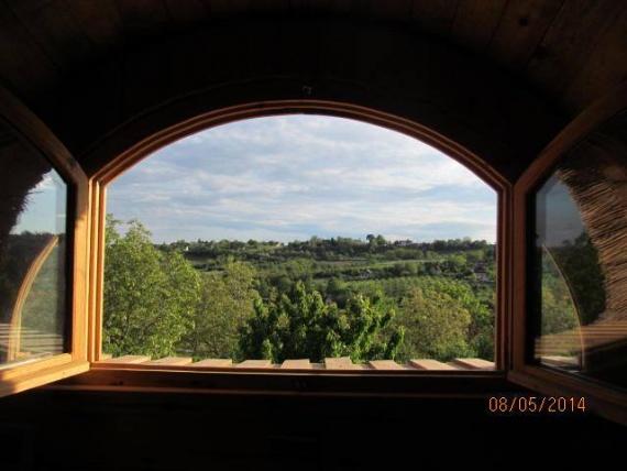 вид из окна: Экодом своими руками
