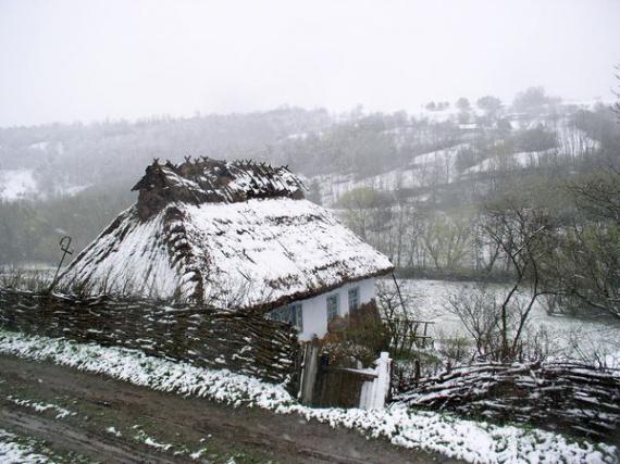 Экодом своими руками: дом под соломенной крышей